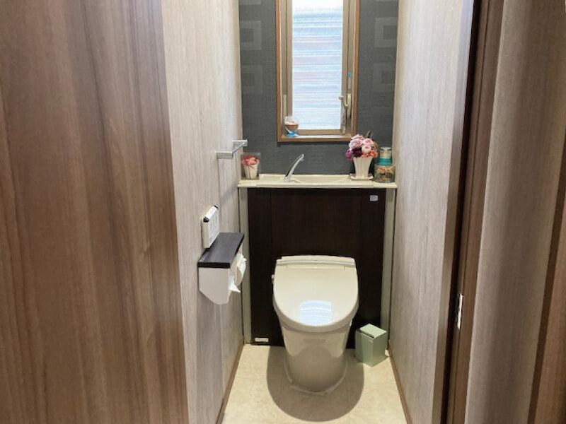 トイレ(津市半田の中古住宅)